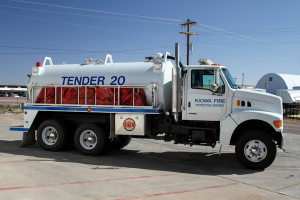 Tender 220 2002 Sterling 3400 gallon water tank, vacuum pump.